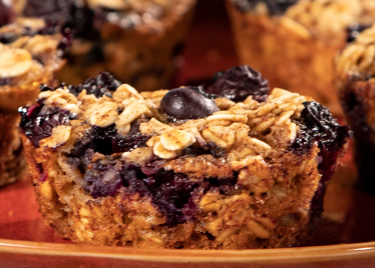 Banana Blueberry Oatmeal Cups